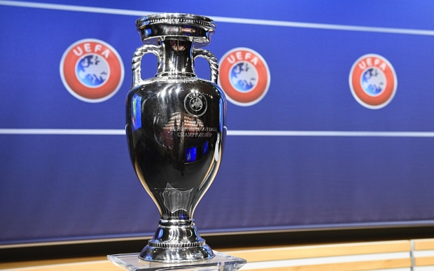 The Euro 2016 Trophy Is Pictured During The UEFA Euro 2016 Play-off Draw Ceremony On October 18, 2015 In Nyon, Switzerland. The Euro 2016 Will Run In France From June 10 To July 10, 2016.  AFP PHOTO / ALAIN GROSCLAUDE        (Photo Credit Should Read ALAIN GROSCLAUDE/AFP/Getty Images)