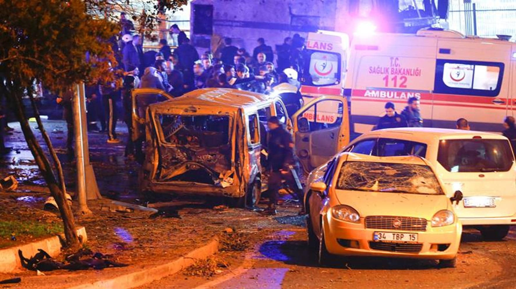 Police Arrive At The Site Of An Explosion In Central Istanbul, Turkey, December 10, 2016. REUTERS/Murad Sezer