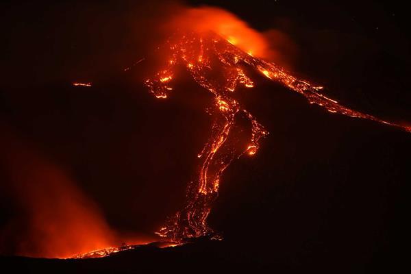 Etna R 1602 1 2048×1365 (Copy)