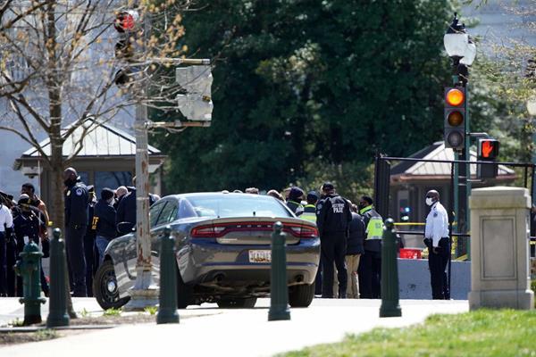 Καπιτώλιο: Νεκροί ένας αστυνομικός και ο δράστης (video)