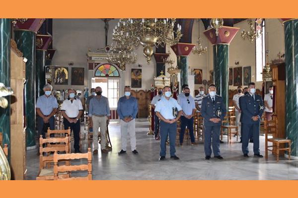 Δοξολογία υπέρ των Αποστράτων Αστυνομικών στη Μητρόπολη [εικόνες]