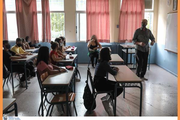 11.700 μόνιμους διορισμούς εκπαιδευτικών στα σχολεία ανακοίνωσε η Κεραμέως
